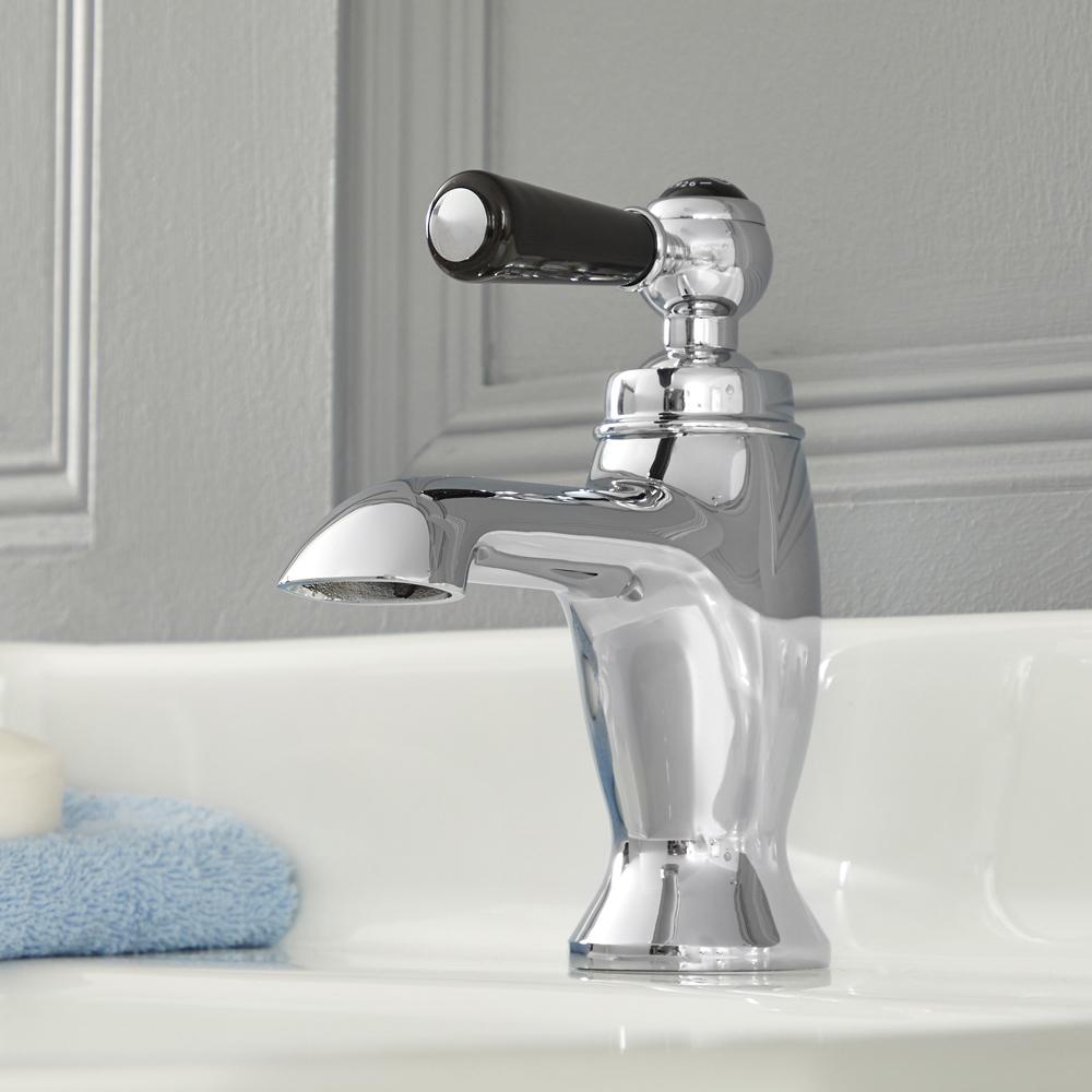 Elizabeth - Traditional Single-Hole Lever Handle Bathroom Faucet - Multiple Finihses Available