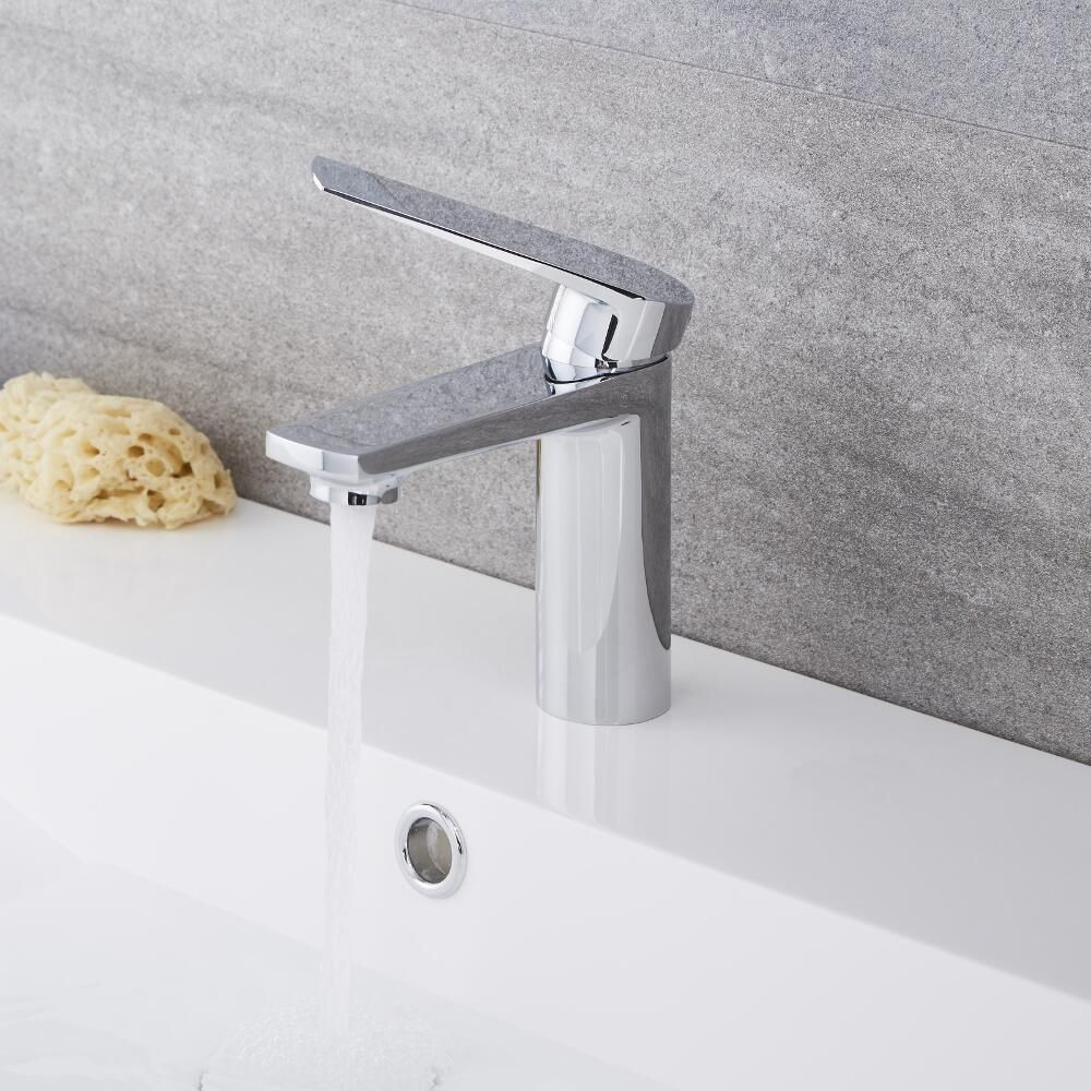 Arcadia Chrome Single Hole Bathroom Faucet