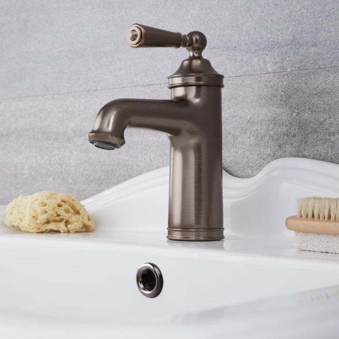 Colworth - Traditional Oil-Rubbed Bronze Single-Hole Bathroom Faucet