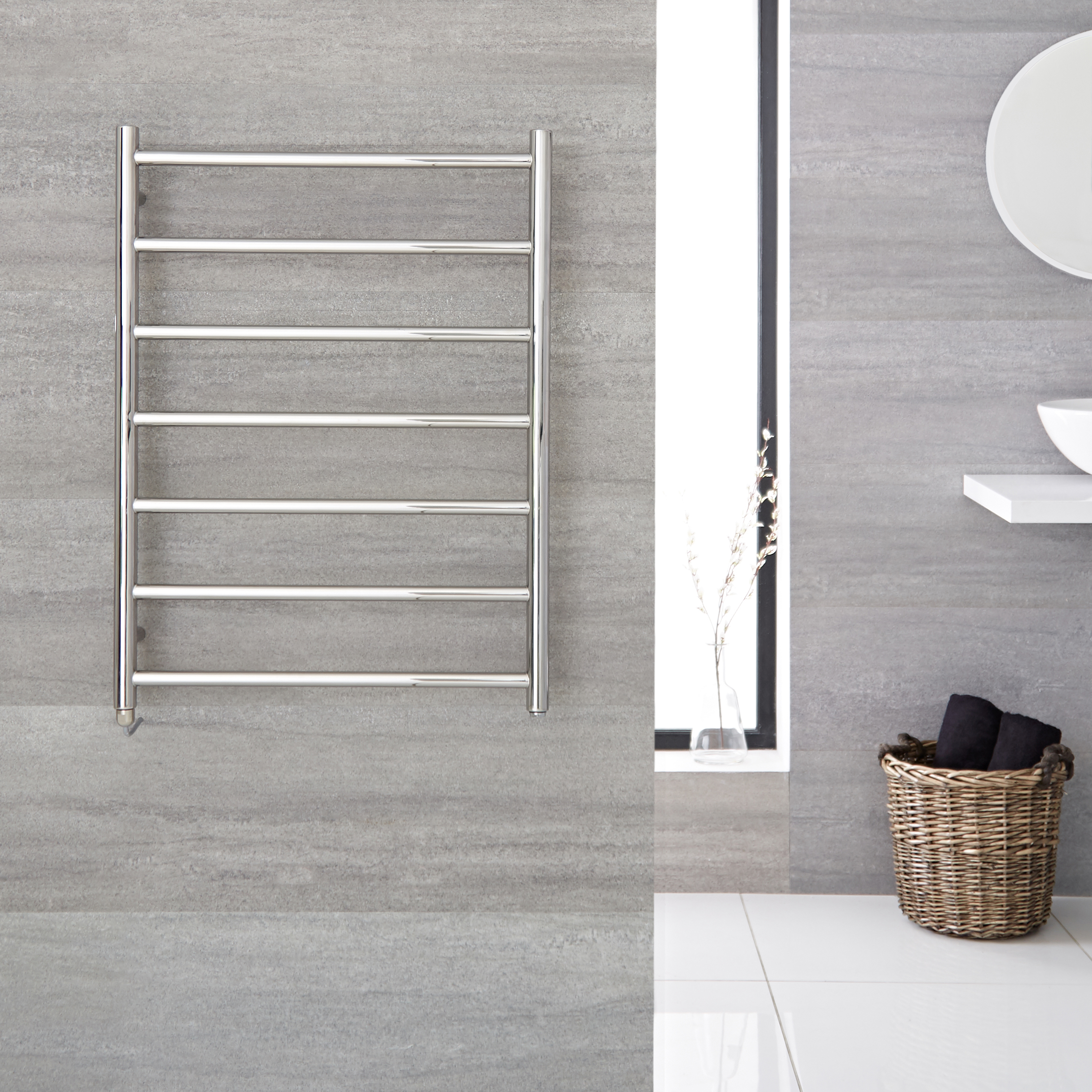 "Quo Electric - Stainless Steel Towel Warmer - 31.5"" x 23.75"""