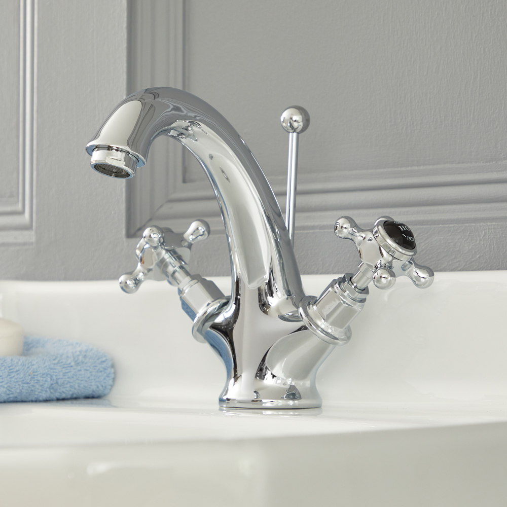 Elizabeth - Traditional Single-Hole Cross Handle Bathroom Mixer Faucet – Chrome and Black