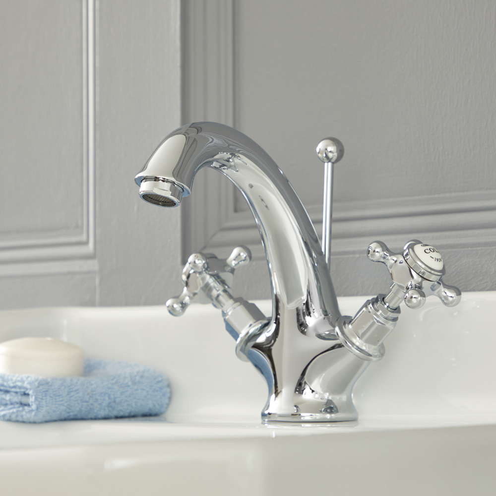 Elizabeth - Traditional Single-Hole Cross Handle Bathroom Mixer Faucet  - Chrome/White