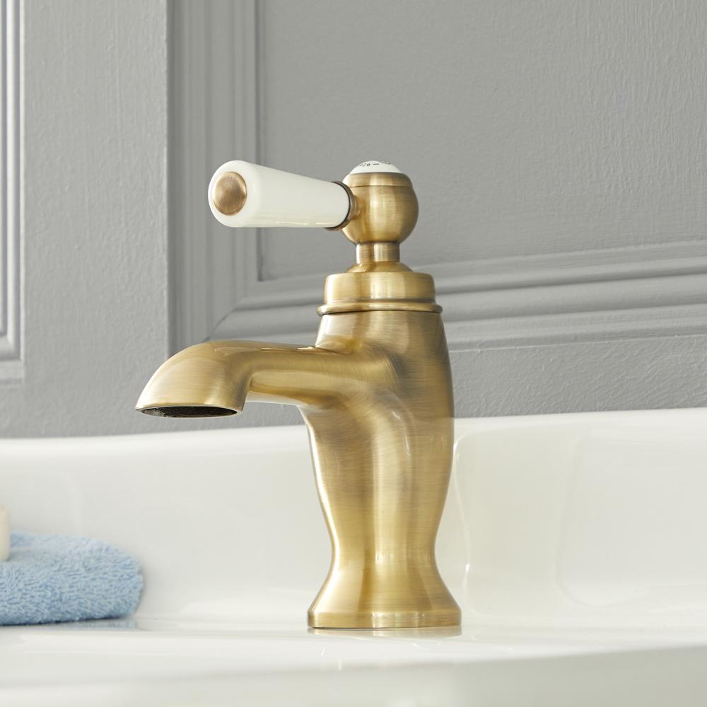 Elizabeth - Traditional Single-Hole Lever Handle Bathroom Mixer Faucet - Brushed Gold