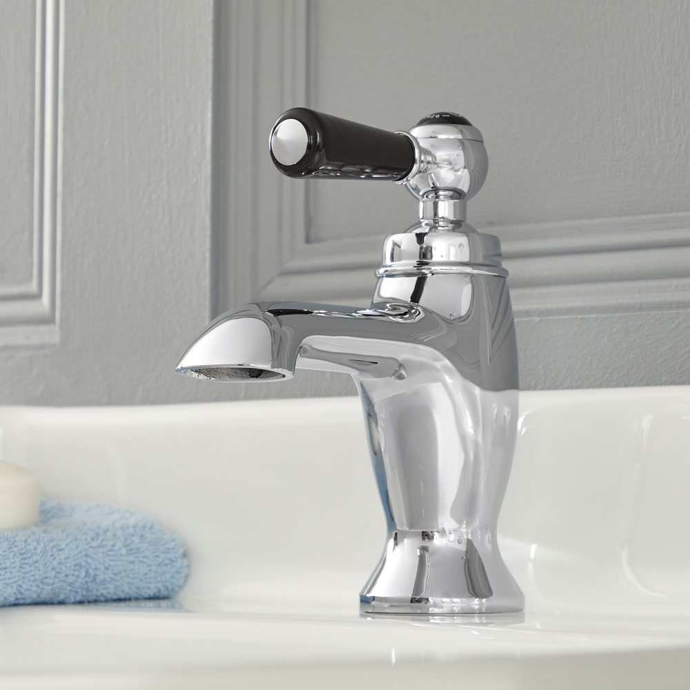Elizabeth - Traditional Single-Hole Lever Handle Bathroom Mixer Faucet – Chrome and Black