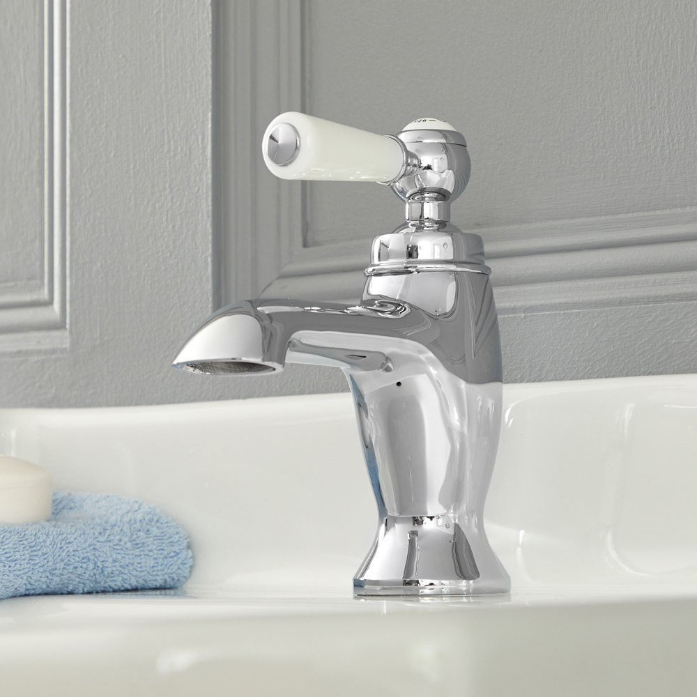 Elizabeth - Traditional Single-Hole Bathroom Faucet - Chrome/White