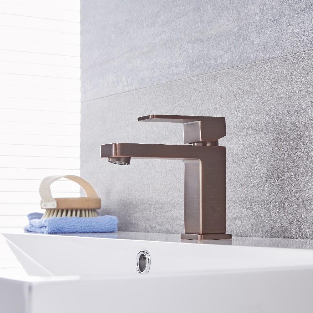 Kubix - Oil-Rubbed Bronze Single-Hole Bathroom Faucet